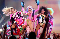 Red Carpet Manners at the 2015 VMA's – A Bacchanal Buffet of Erratic Behavior
